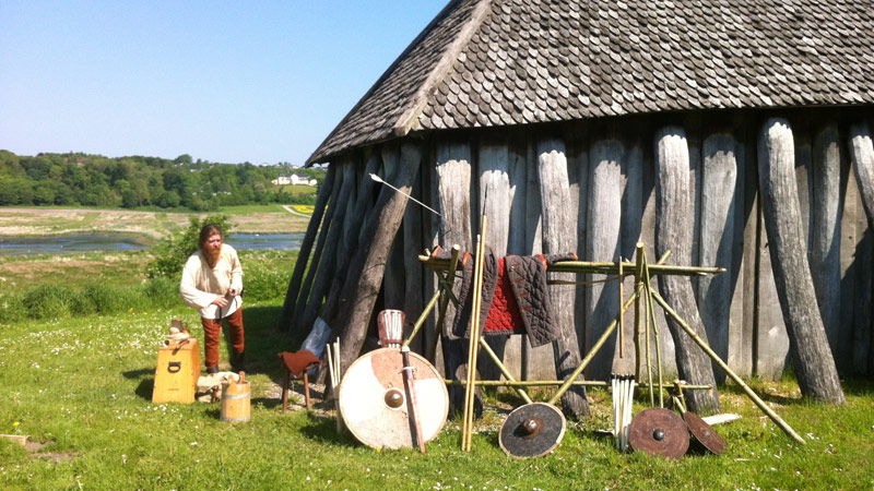 Mariager by og fjord samt vikinger i Hobro